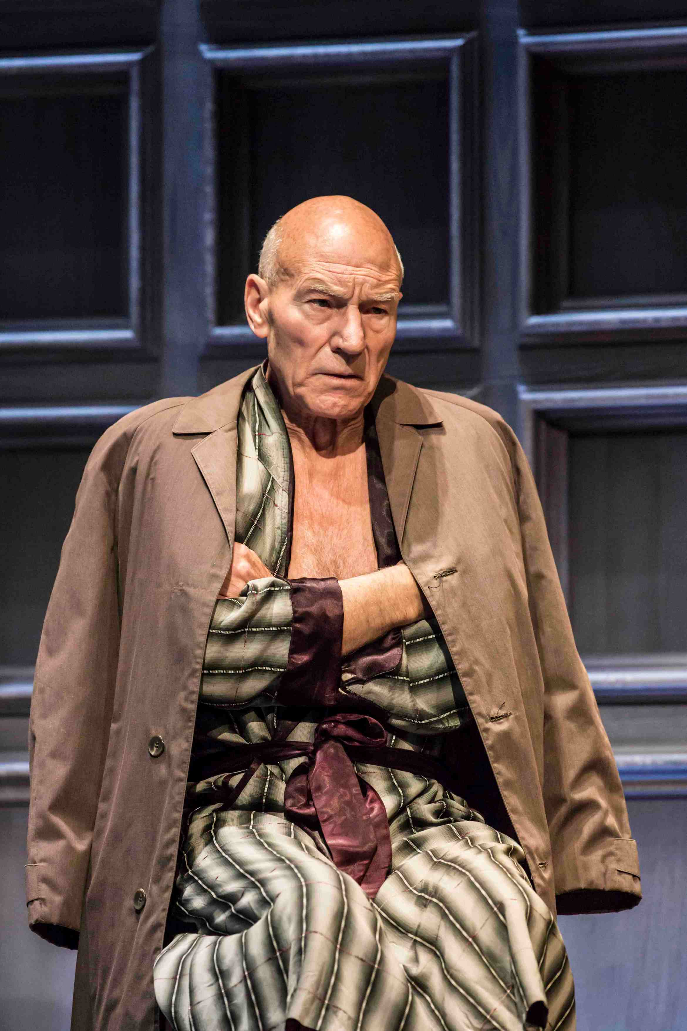 Patrick Stewart as Hirst in No Man's Land .Credit Johan Persson.jpg.jpg