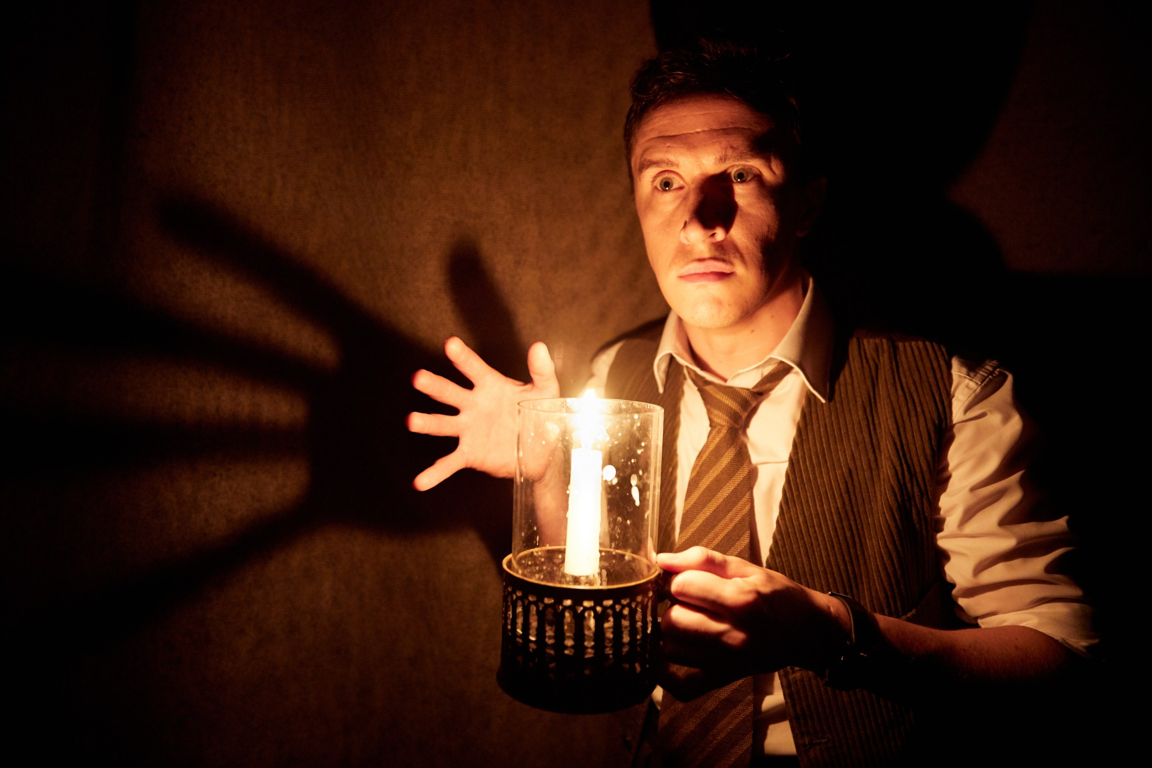 9. THE WOMAN IN BLACK. James Byng 'The Actor'. Photo by Mark Douet.jpg