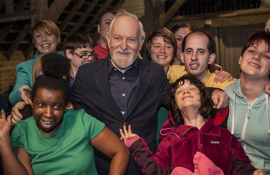 Sir Richard Stilgoe and Students Low-Res