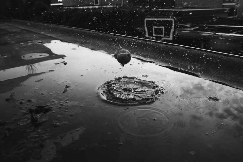 basketball black and white court dark