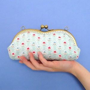 Sunny specs purse