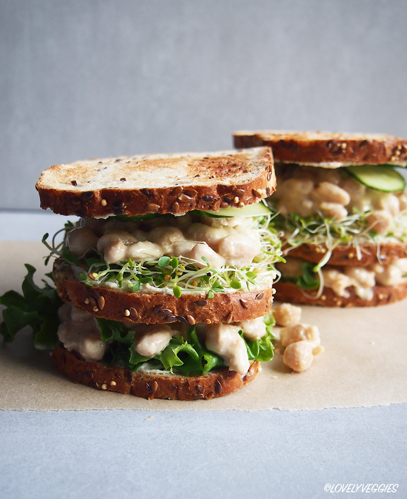 leipä, täytetty leipä, vegaani, vegaaninen, lounas, aamiainen, lovelyveggies, kerrosleipä, vegaaniblogi