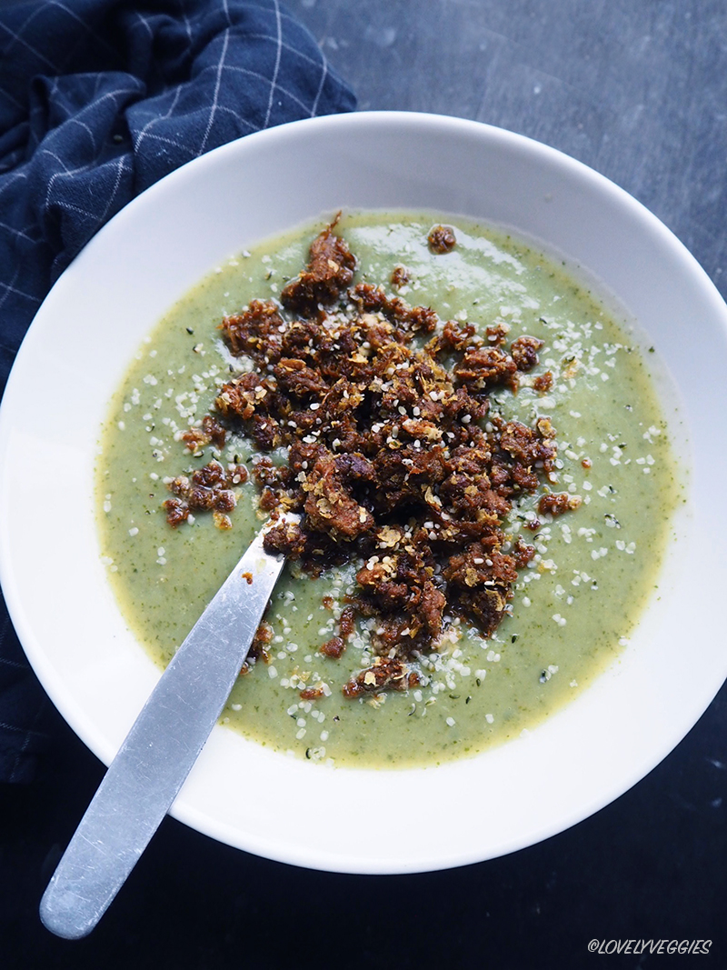 keitto, purjo peruna sosekeitto, vegaani, nyhtökaura, kasvisosekeitto, kasvisruoka, vegaani ruoka, terveellinen ruoka