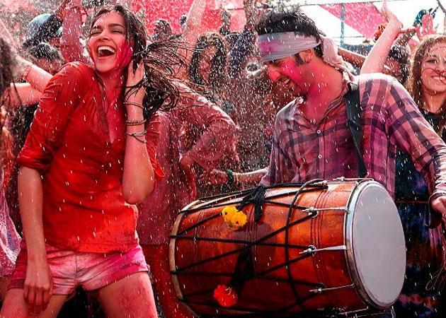 holi-desktop-background-wallpapers-bollywood-stars-06