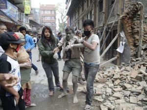 earthquake imjured people image