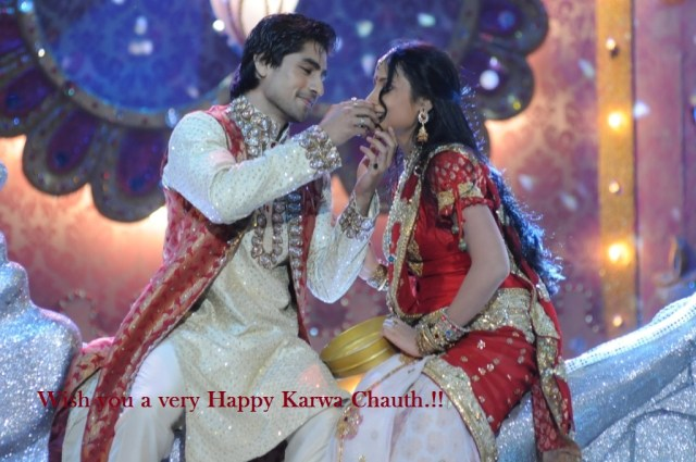 Happy-Karwa-Chauth-2015-Wallpapers couples pics