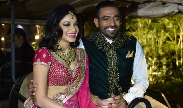 robbin uttapha with wife images