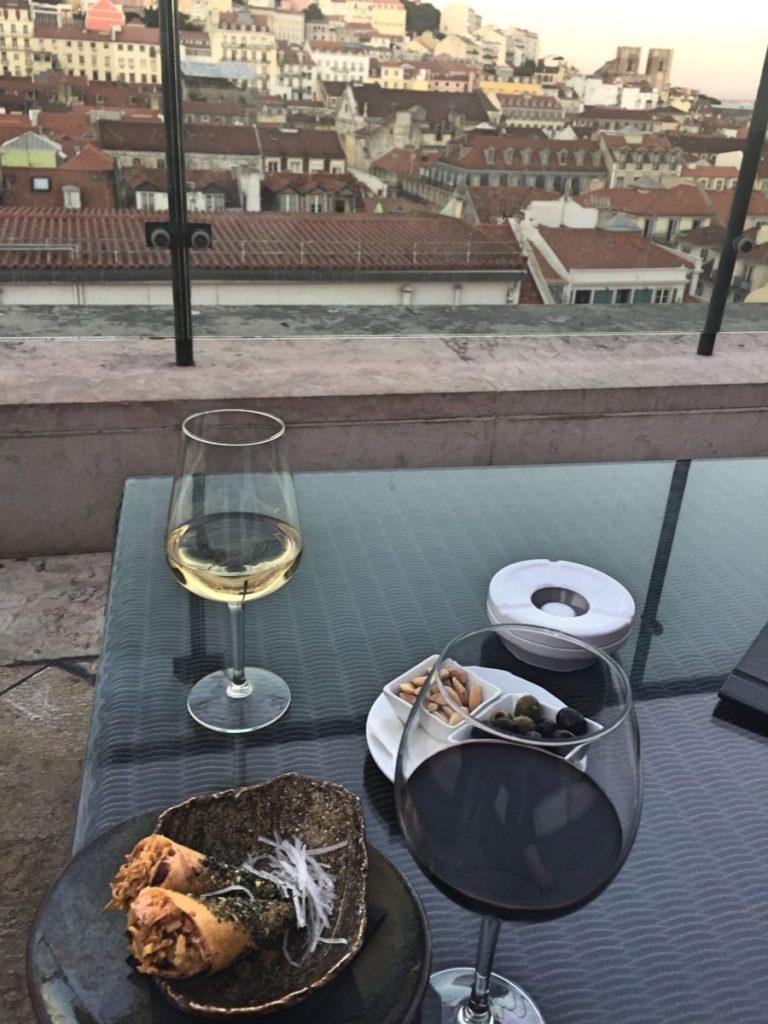 sushi e ostras bar rooftop entretanto hotel do chiado