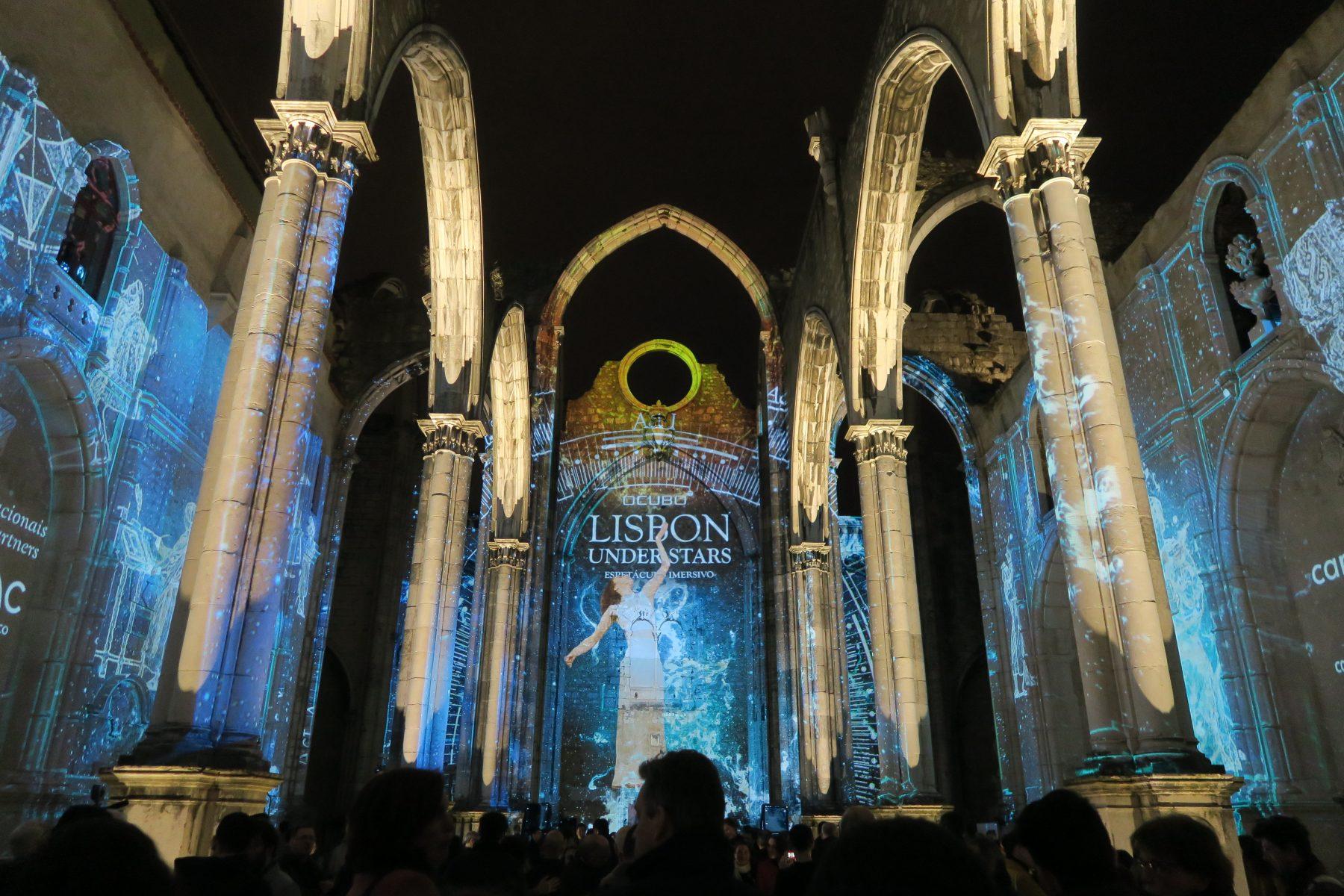 Lisbon under stars ruínas do convento do carmo espetáculo imersivo