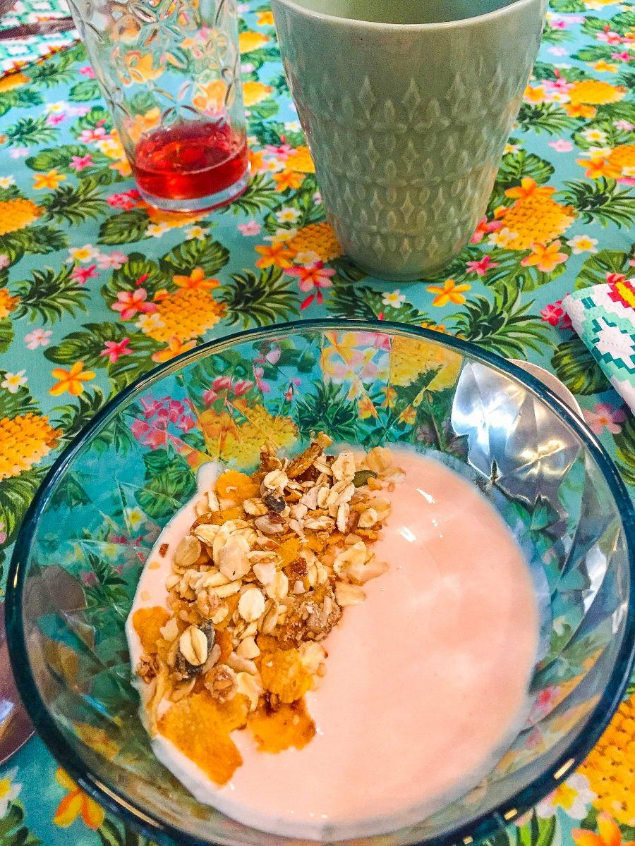 Brunch do Mundo de 25-05-2019. 3ª Temporada - América do Norte e Central - Granola de milho com creme de goiaba e iogurte cuba