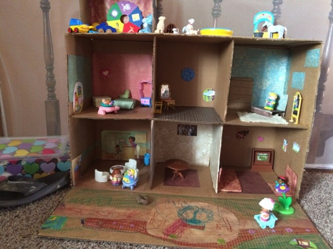 Indoor Activity doll house