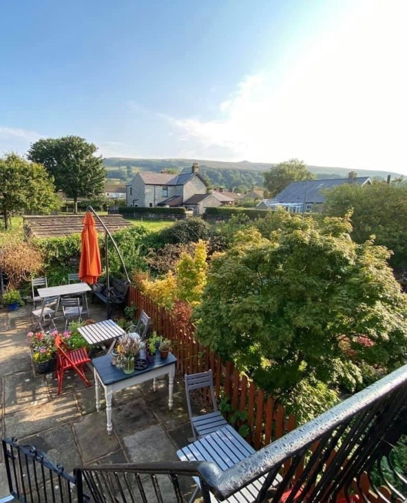 Places in the Peak District - Hope Valley from the Grasshopper Café