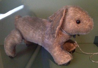 Pull-along rabbit toy, made in Germany between 1928 and 1930.