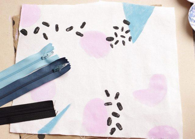 Motifs Memphis, peinture textile