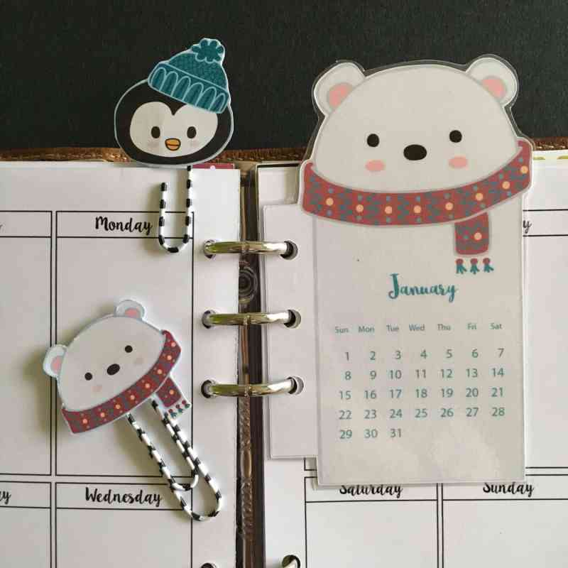 Polar bear calendar + paperclips - Free planner printable (+ blank version)