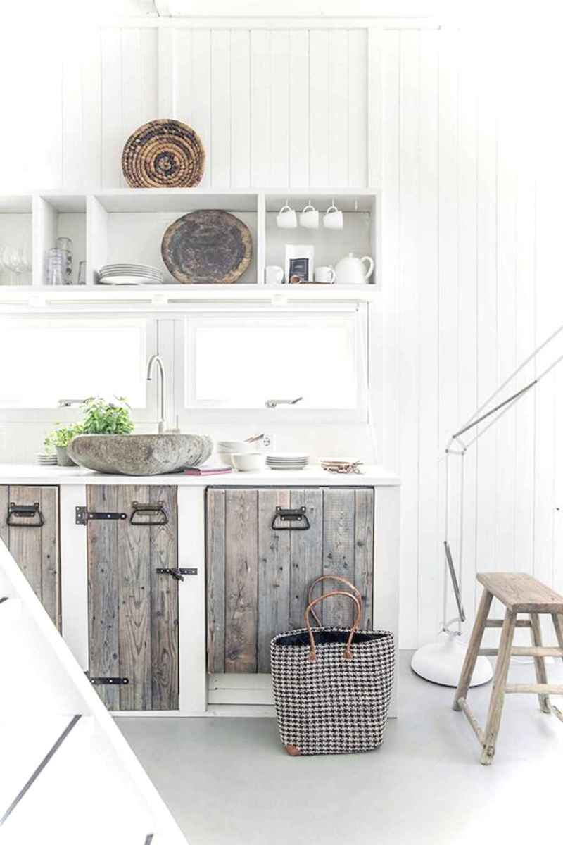 46 Small Cabin Cottage Kitchen Ideas09