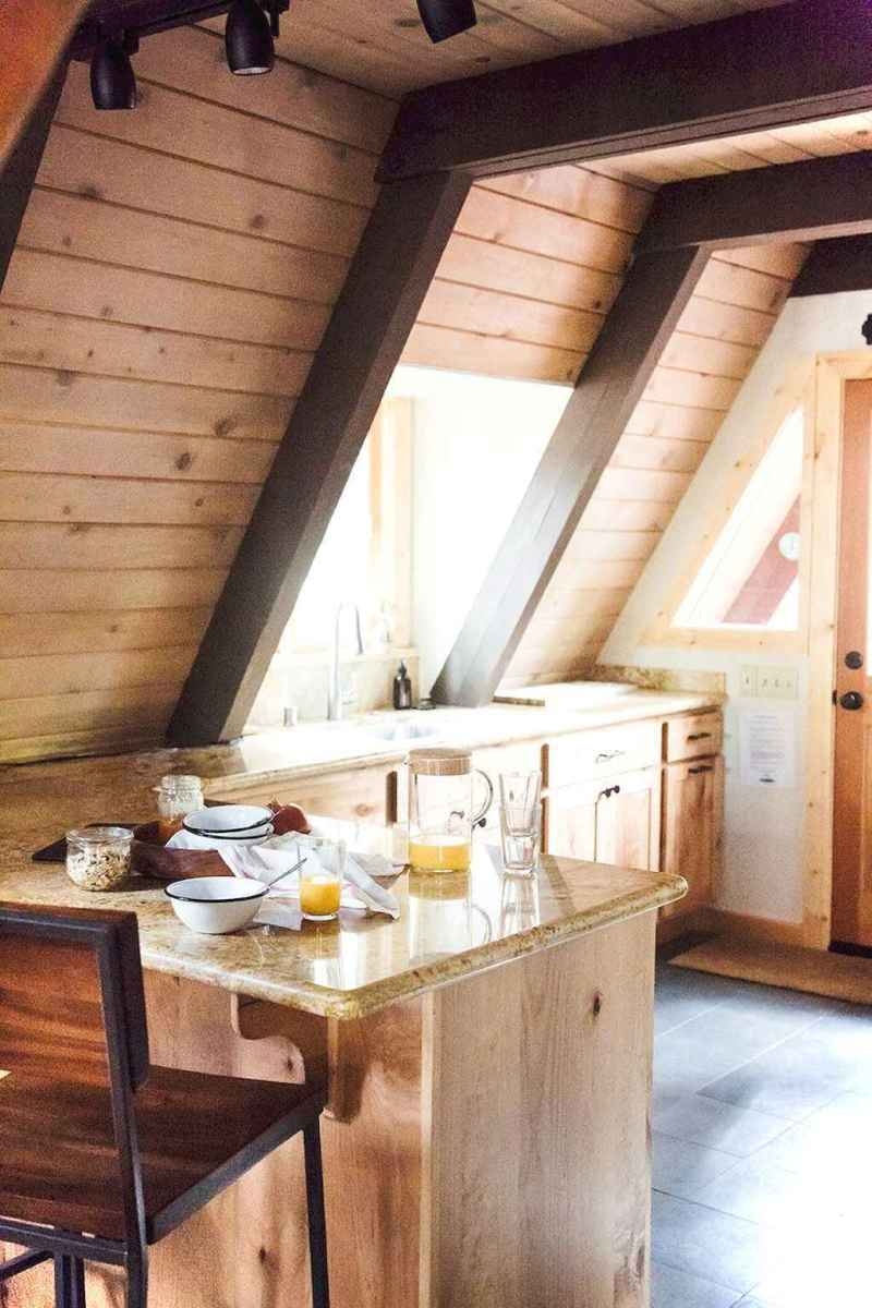 46 Small Cabin Cottage Kitchen Ideas20