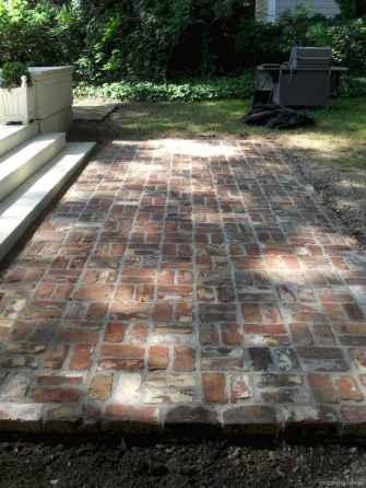 Paver Walkways Ideas for Backyard Patio 44