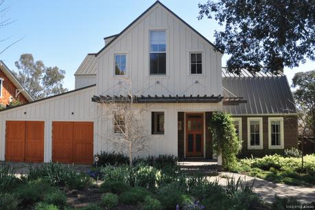 14 Incredible Modern Farmhouse Exterior Color Ideas