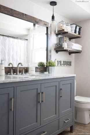 32 Best Modern Farmhouse Master Bathroom Design Ideas