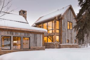 Simple Modern Farmhouse Exterior Design Ideas 05