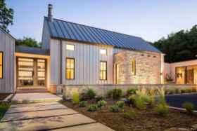 Simple Modern Farmhouse Exterior Design Ideas 20