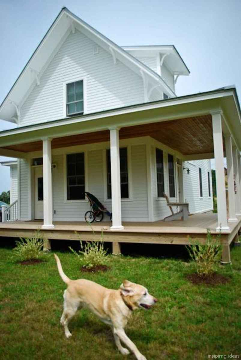 Simple Modern Farmhouse Exterior Design Ideas 26