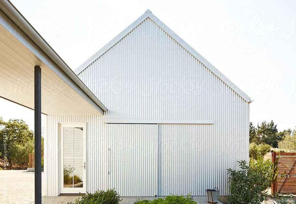 Simple Modern Farmhouse Exterior Design Ideas 49