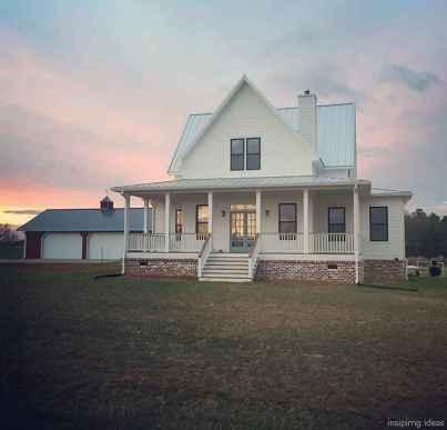 Simple Modern Farmhouse Exterior Design Ideas 58