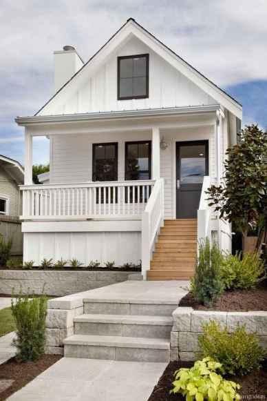 Simple Modern Farmhouse Exterior Design Ideas 70