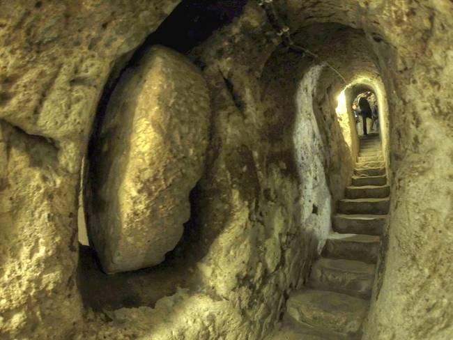Derinkuyu underground city. Image from Wikimedia Commons, via atrending.net.