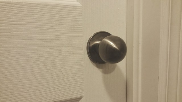 knock knock doorknob