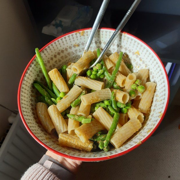 what to eat ovulatory phase - pasta salad