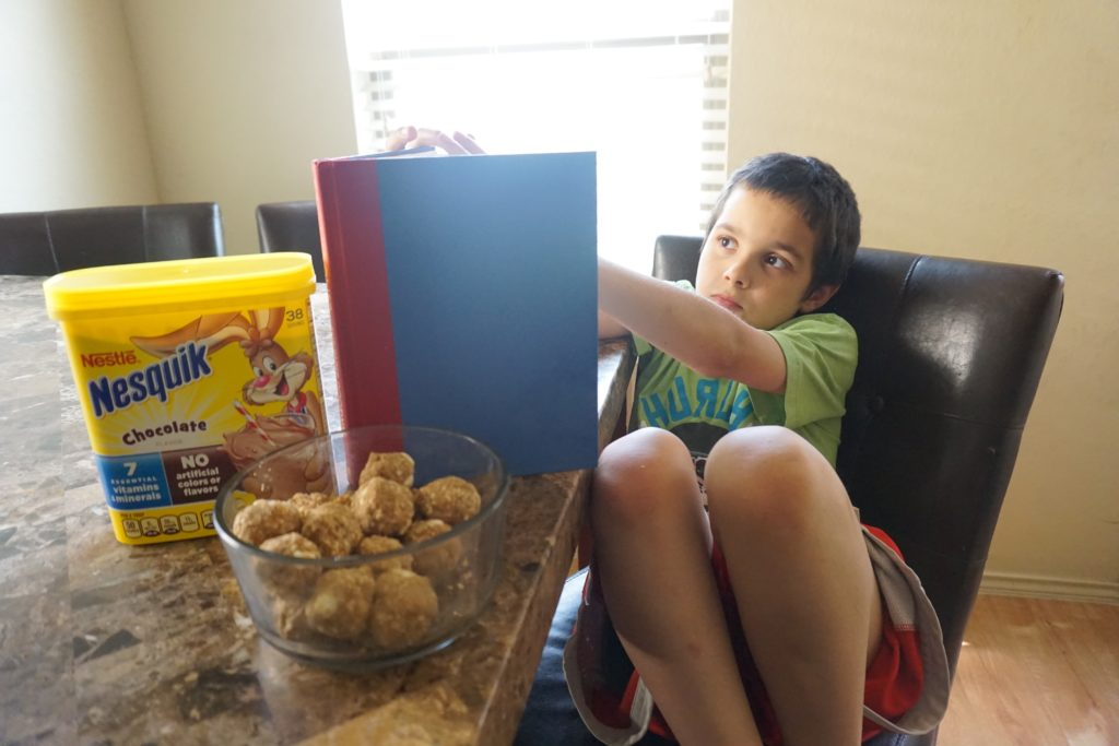 Kid friendly breakfast idea + Morning hacks to get you out the door. #StirImagination
