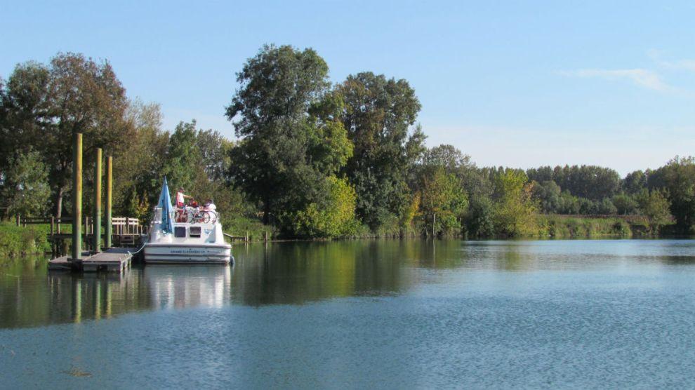 River cruisers