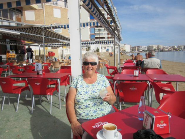 Torrevieja coffee shop on the beach