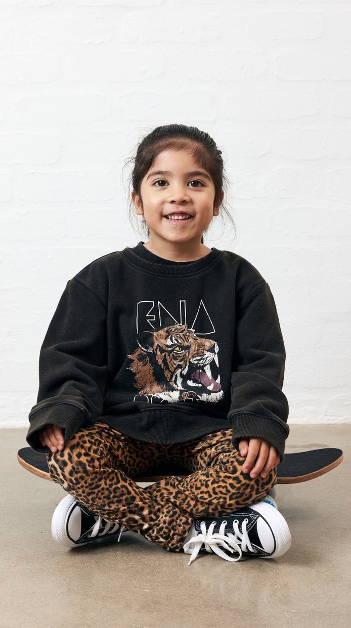 Ena Pelly Wilderness Sweatshirt (black)
