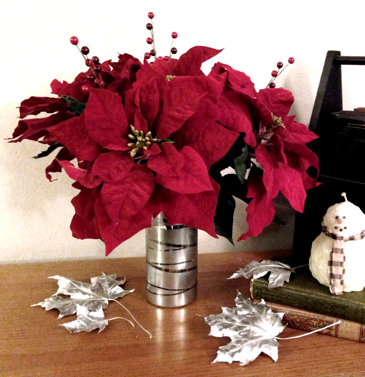 DIY poinsettia flower arrangement | Love My DIY Home