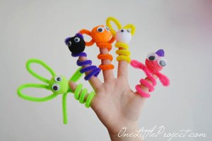 Pipe Cleaner Finger Puppets | One Little Project