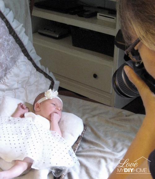 Diy newborn photo session love my diy home diy newborn photos love my diy home solutioingenieria Gallery