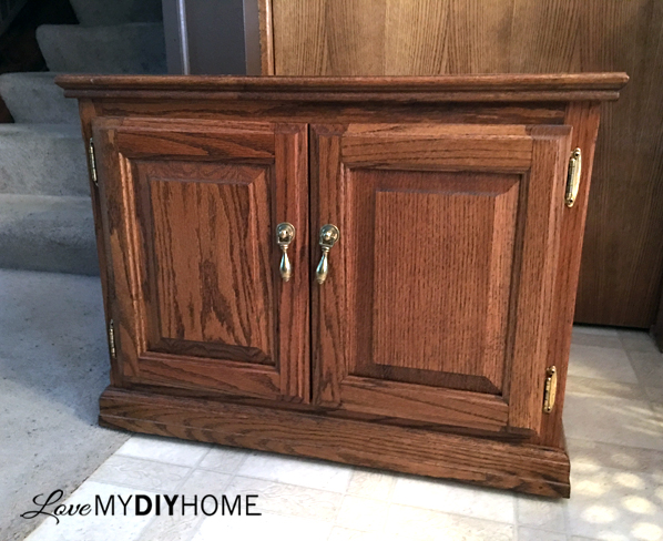 Updated Rolling Cabinet FFFC Furniture Flipping Contest {LMDH}