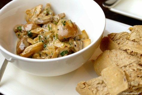 Champignons in sherry-roomsaus 4