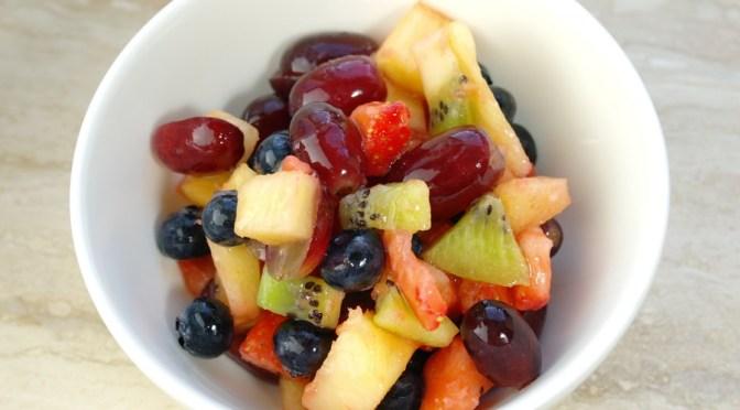 Fruitsalade met limoen-honingdressing