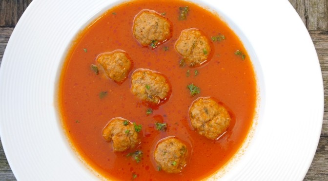 Tomatensoep met balletjes gehakt