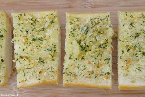 Recept voor homemade knoflookbrood