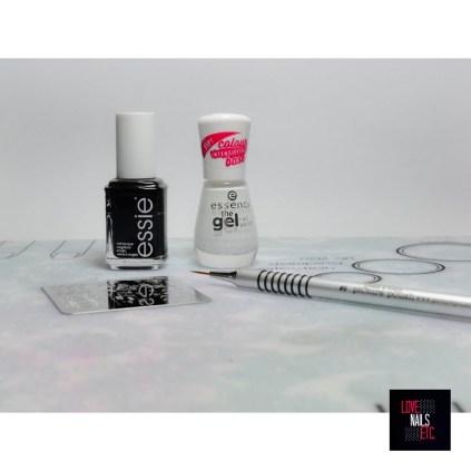 Essie Licorice - Essence 33 wild white ways - Pure Color Brush piCture pOlish #9 - Bundle Monster BM-S308