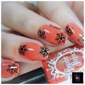 nail-art-snowflakes-b-loves-plates-_-love-nails-etc5