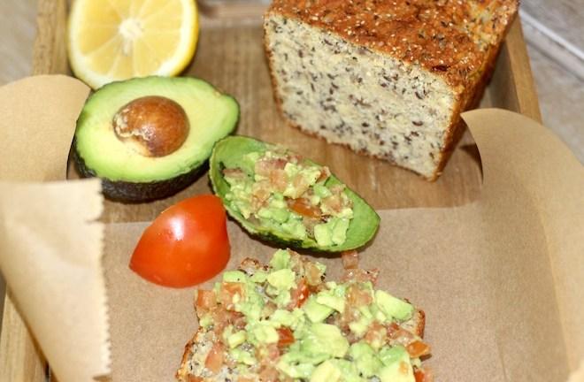 Kokos Brot aus dem Buch Coconut Cooking von Hannah Frey