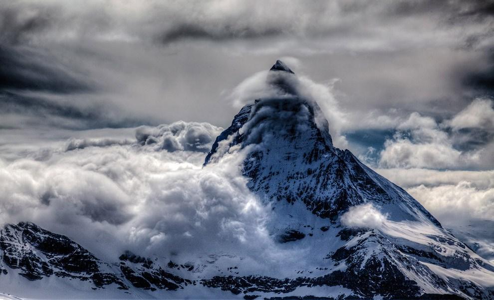 Маттерхорн в облаках — одна из самых фотографируемых гор в мире