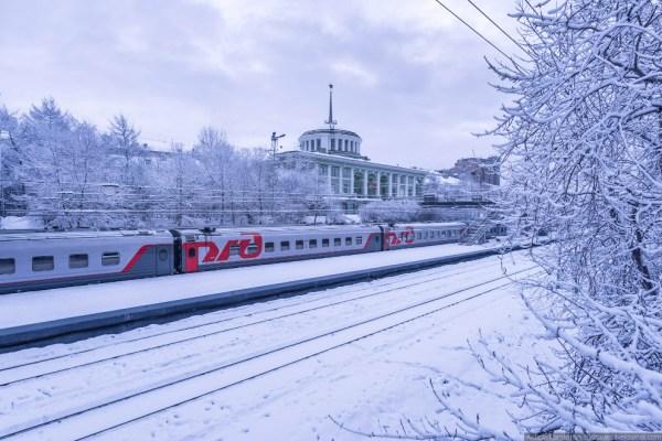 Красивый вокзал Мурманска.